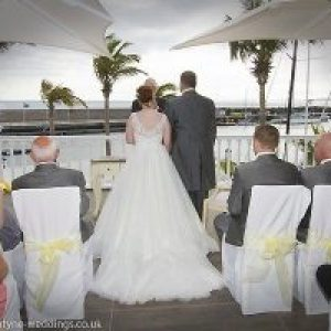 Rocks and Roses Wedding Planners Tracie and Darren Amura Restaurant Puerto Calero 2017